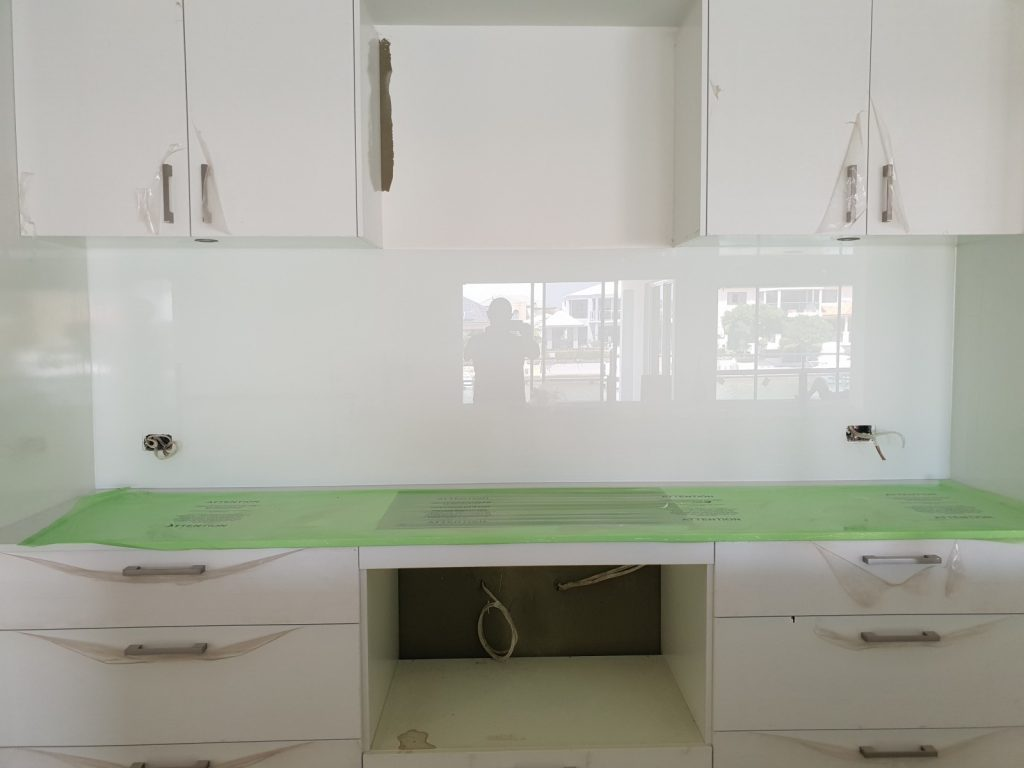 kitchen splashback installation