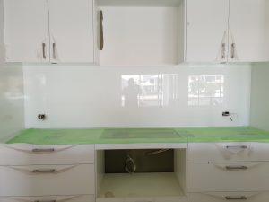 kitchen splashback installation