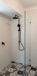 Frameless Shower Screen Enclosure Clear 04