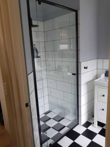 Full Black Frame Clear Shower Screen Enclosure 05