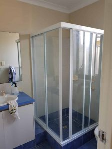 Full White Frame Clear Shower Screen Enclosure 11