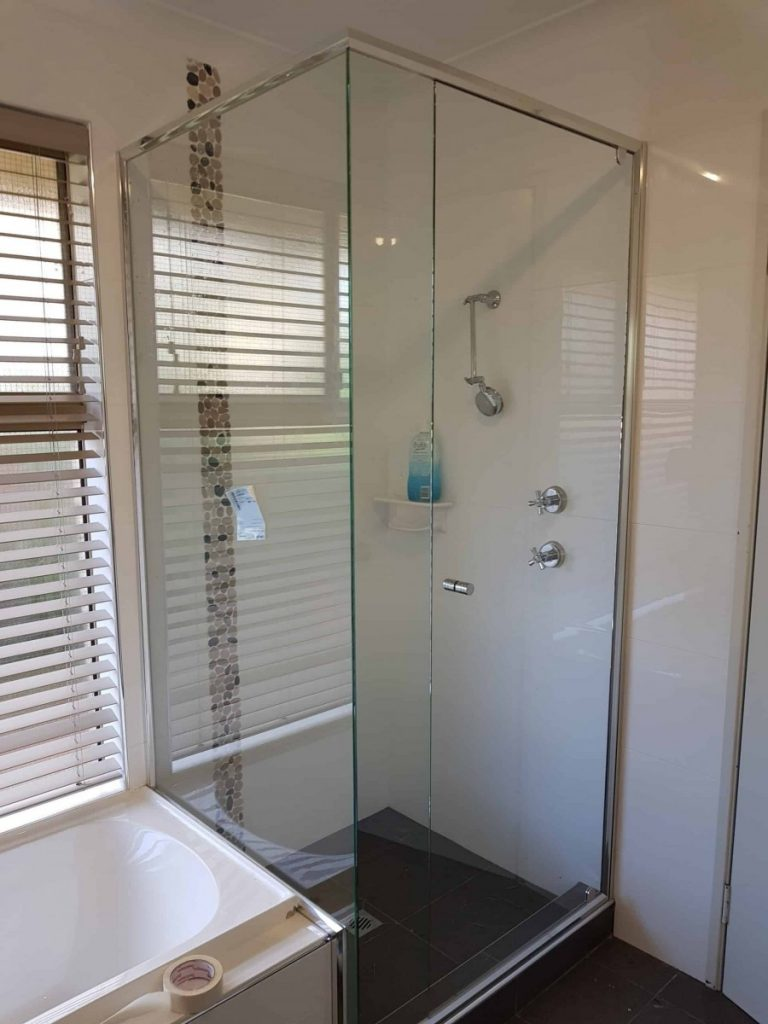 Semi Frameless Shower Screen Enclosure Clear Semi Frameless Shower Screen Enclosure Clear 02